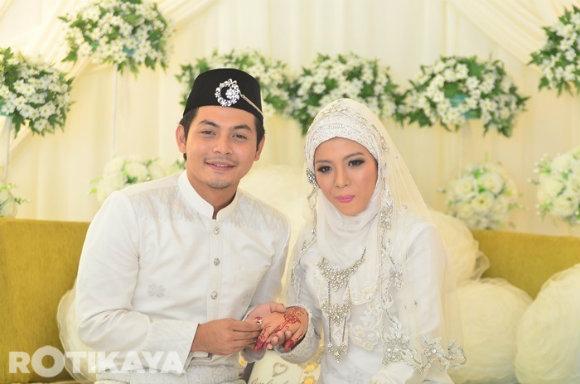 Lagi Gambar Majlis Pernikahan Izzue Islam Dan Awin Nurin  | Berikut adalah tambahan gambar di Majlis pernikahan antara pasangan pengantin baru Izzue Islam dan isterinya Awin Nurin yang berlansung pagi tadi di Dewan Shah Alam, Selangor.