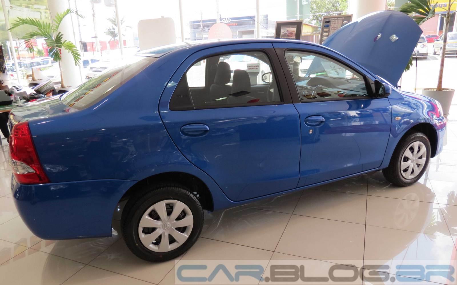 Etios Sedan X - Azul Lounge Toyota-Etios-XS-Sedan-2014+(9)