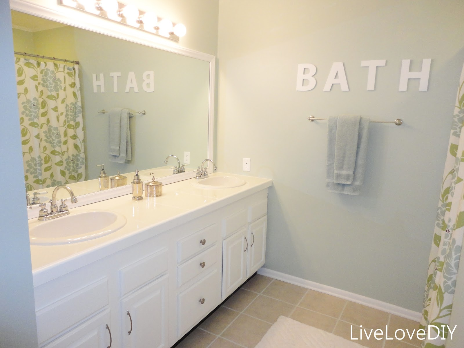 Livelovediy easy diy ideas for updating your bathroom - Exterior paint in bathroom set ...