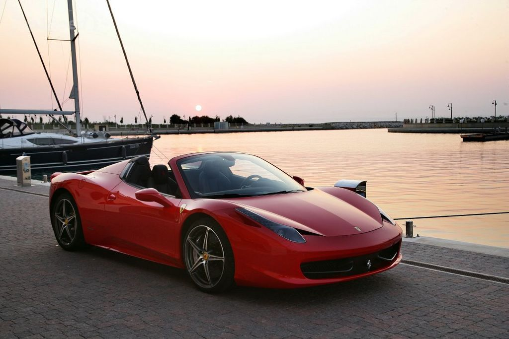 auto ferrari-458-italia