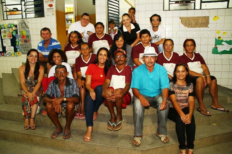 http://3.bp.blogspot.com/-0GP-5ar7Myg/U2ydCmcDFcI/AAAAAAAAYRE/pbiZenhTnfI/s1600/equipe+da+escola+francisca+lira.JPG