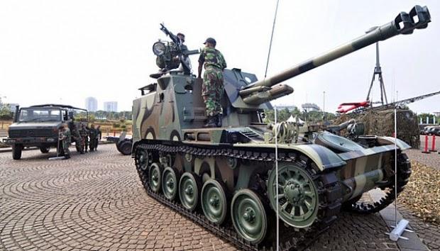 TNI AD Latihan Menembak dengan Laser