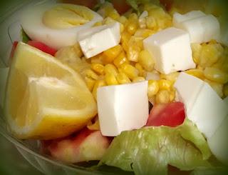 Ensalada de choclos y quesos