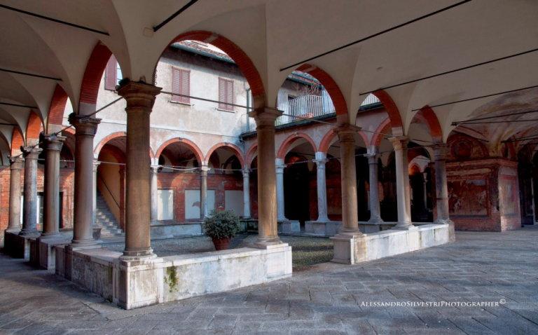 la poesia e la fontana: reading poetici con aperitivo e vino al Teatro Sala Fontana di Milano