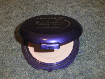 Miss Sporty So Matte Perfect Stay Pressed Powder in 001 Light