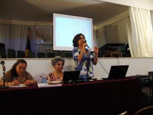 Profa.  Márcia  Silveira,  coordenadora  da  mesa  de Educação  Musical