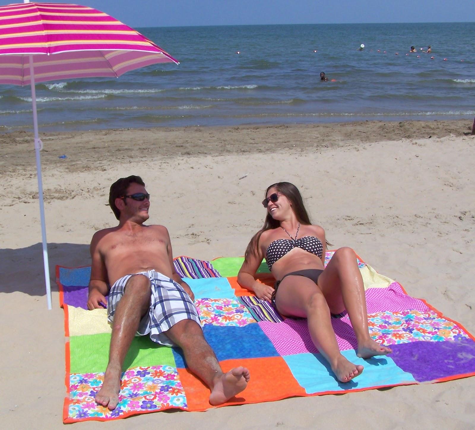 Large Beach Blankets: Big Beach Blanket Tutorial
