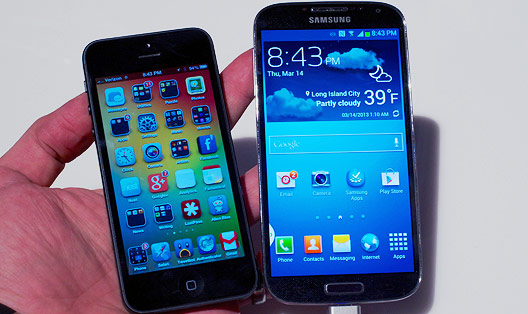 Galaxy S4 VS iPhone 5: 5 Reasons Why the S4 Is Better