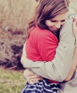 Boy hugging girl in love -Crush Shayari