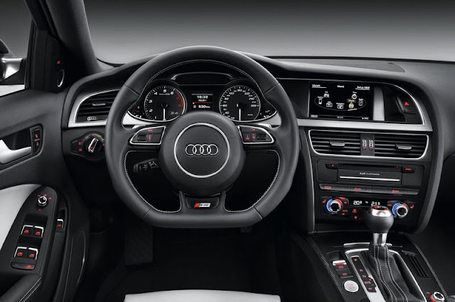 2013 Audi S4 Saloon Interior front view