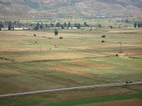 Οι Δροπολίτες δεν πουλούν τα χωράφια τους σε αλλοεθνείς, όσο μεγάλη οικονομική ανάγκη και να έχουν