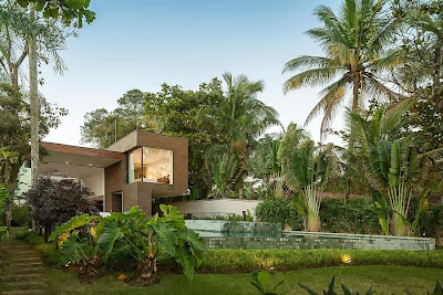Rumah Minimalis Blends With Nature 1