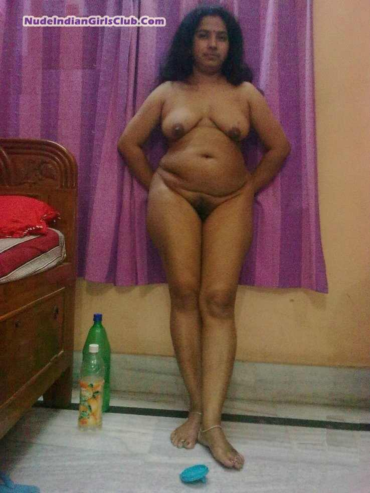 Desi indian wife stripping her dress and showing her tits ...