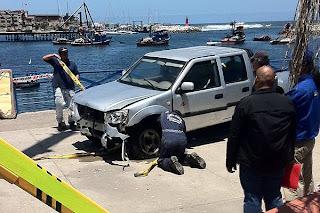 Mujer que rendía examen de conducir cayó al Mar de Antofagasta