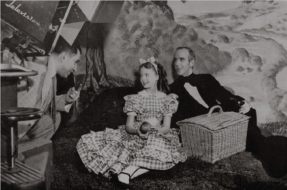 Debut en TV. en 1948 (Alice's Adventures in Wonderland)