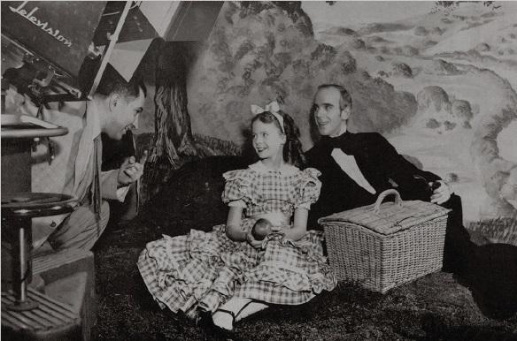 Debut en TV. en 1948 (Alice's Adventures in Wonderland)
