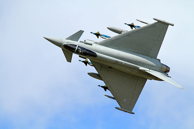 Eurofighter Typhoon bombs missiles