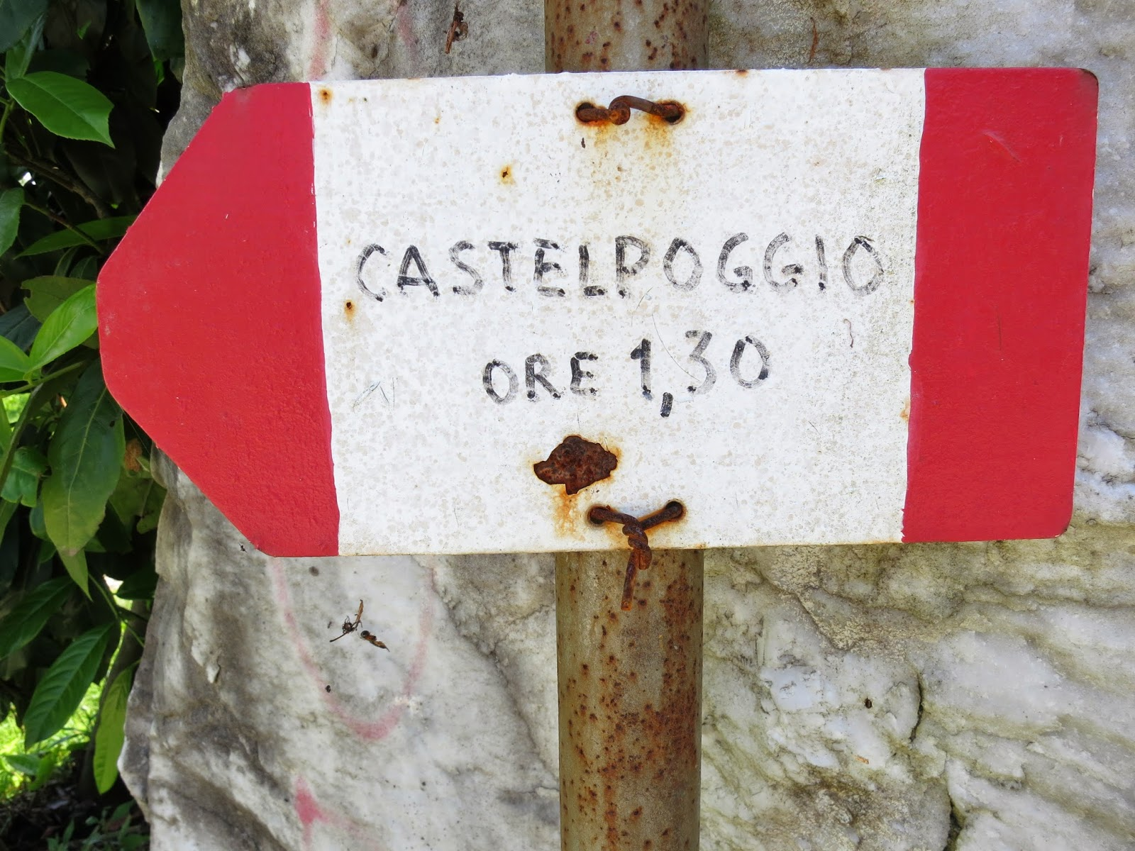 Trail sign Tuscany