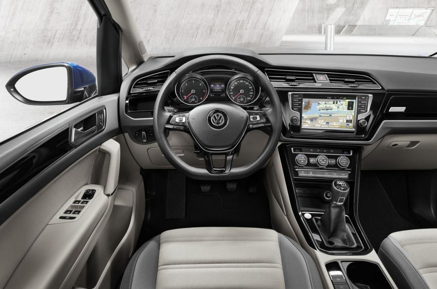 Volkswagen Touran 2016 - painel