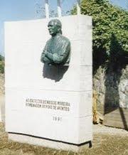 Escultor Henrique Moreira