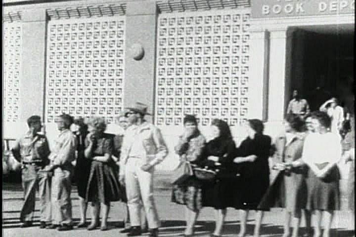 TSBD Women in Scarves - Pre/Post Assassination Matches - JFK ...