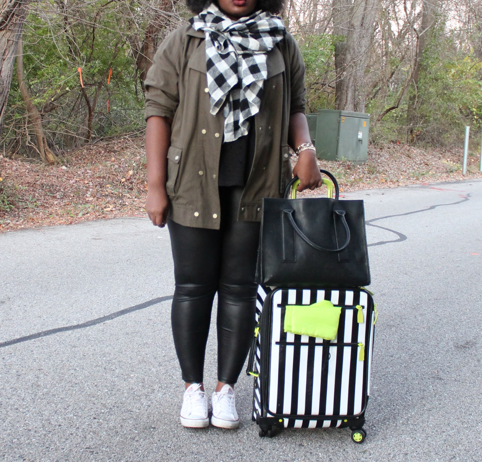 plu-size-travel-outfit-forever21-distressed tee-faux-leather-leggings-white-chuck-taylor