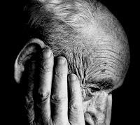 tandanya kena penyakit alzheimer apa saja, artikel kesehatan yang membahas tentang penyakot lupa secara lengkap