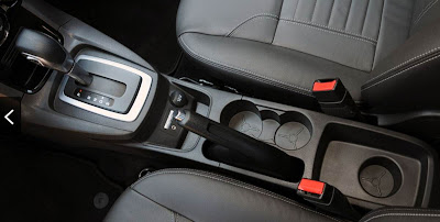 New Fiesta 2014 - interior - console central