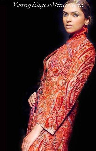 Deepika Padukone Wardrobe Malfunction