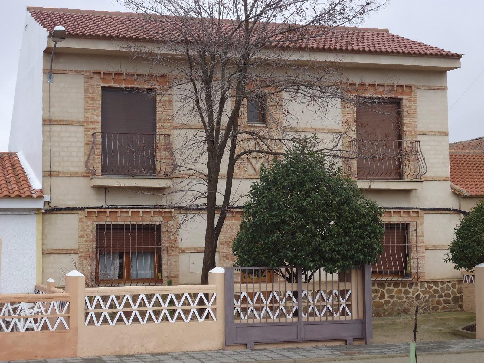 Construcciones confonel s l galer a for Fachadas rusticas de piedra y ladrillo
