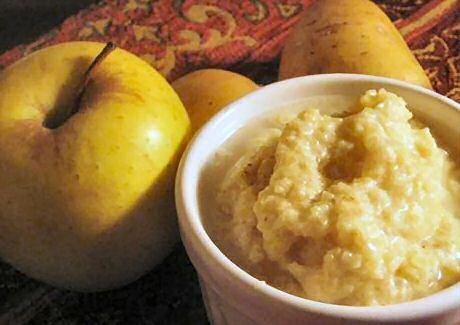 Makkelijk recept om lekkere, zoet-zure vegetarische hete bliksem stamppot te maken met aardappels, appelen en indien gewenst ajuin
