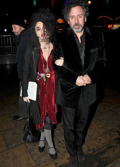 helena bonham carter marriage tim burton wearing red velver colored black veil wedding dress