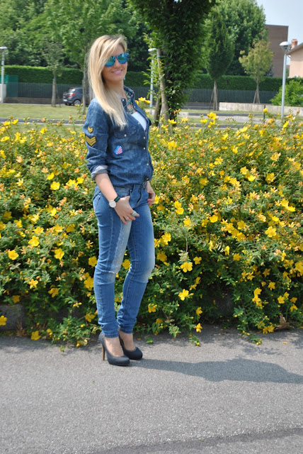 denim total look denim total outfit mariafelicia magno fashion blogger colorblock by felym blog di moda blogger italiane di moda milano outfit jeans skinny come abbinare la camicia di jeans come abbinare la camicia in denim jeans e tacchi denim day ragazze bionde blonde hair blonde girls pimkie replay majique london