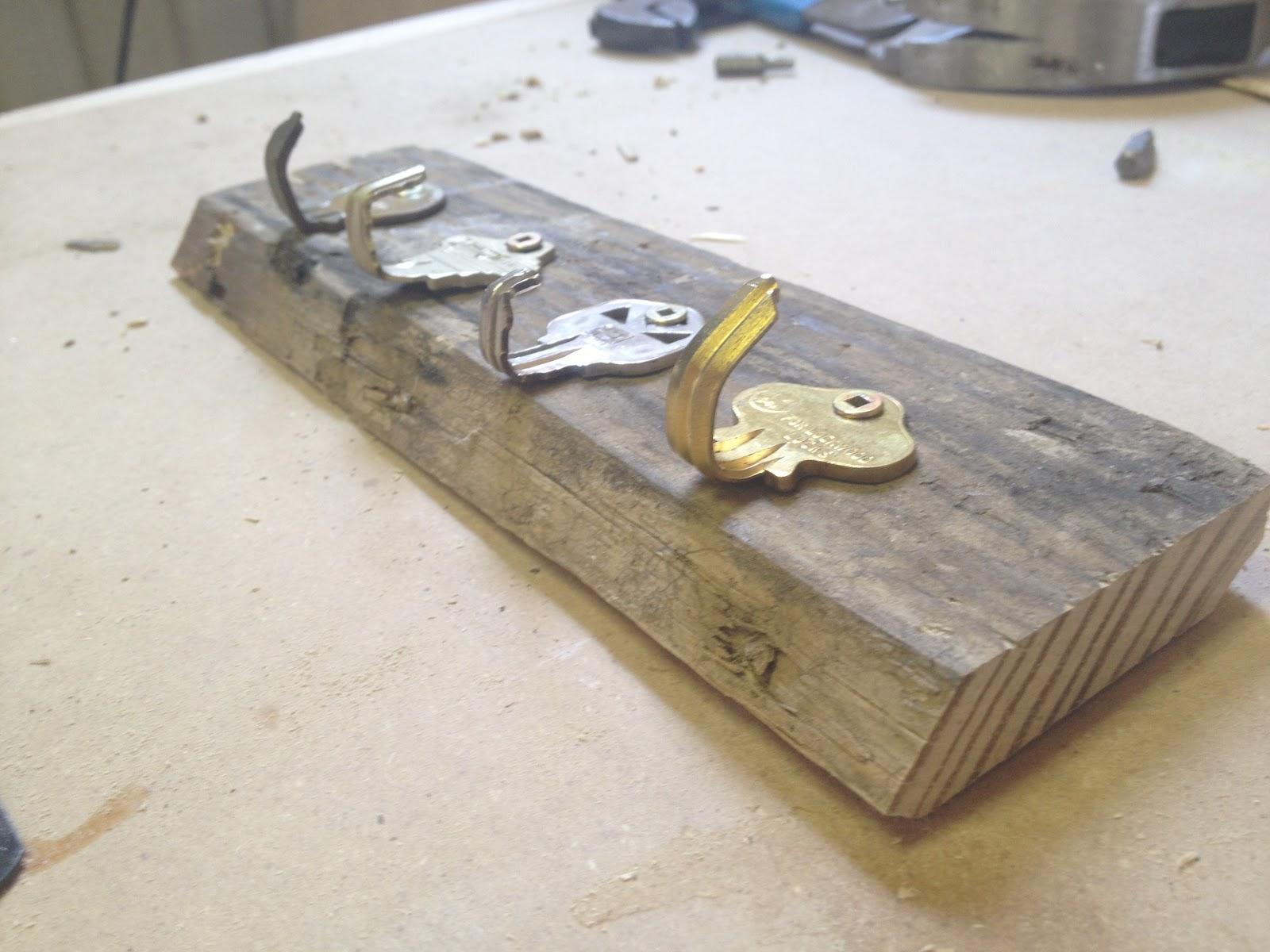 Get Rich Or DIY Tryin 39 Key Holder Using Old Keys