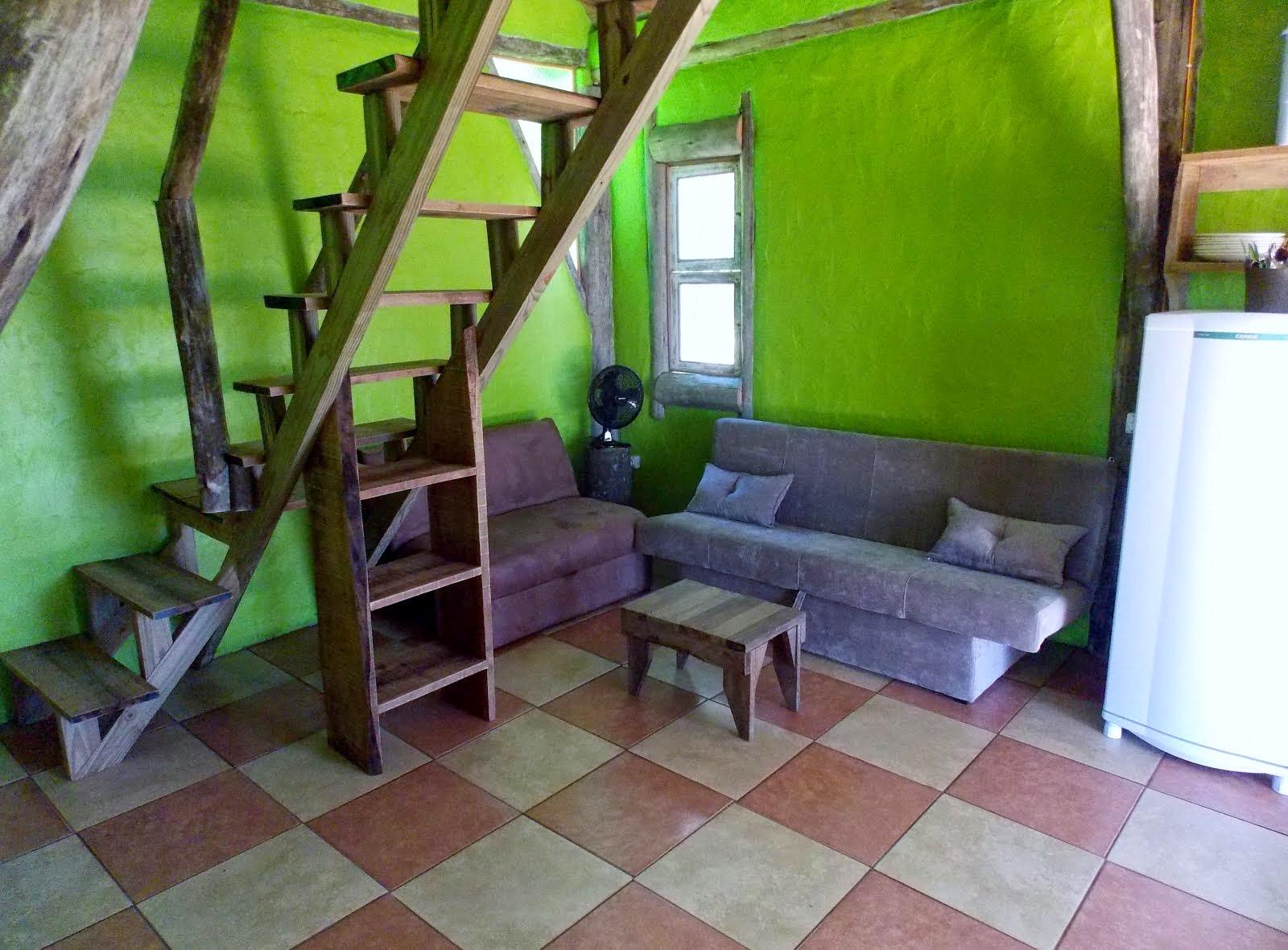 Cabana 10 sala e escada