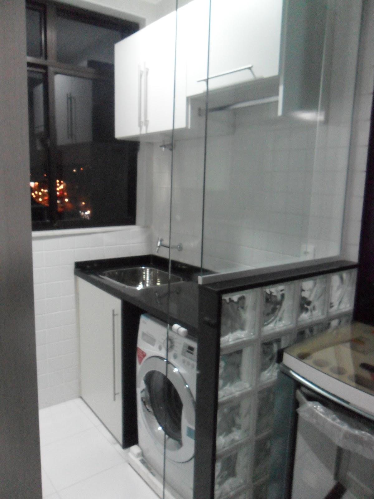 Eu não gosto muito de prateleiras ou nichos em lavanderias mas para  #5D4C45 1200x1600 Bancada Banheiro Estreita