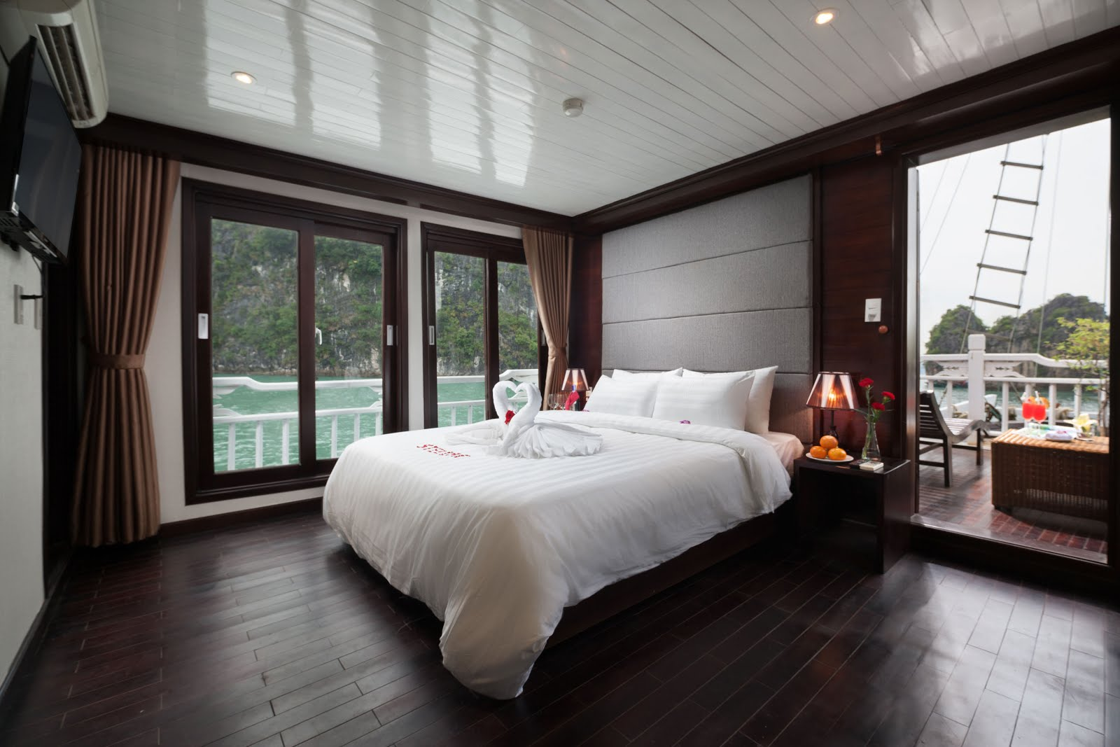 Honeymoon Suite cabin