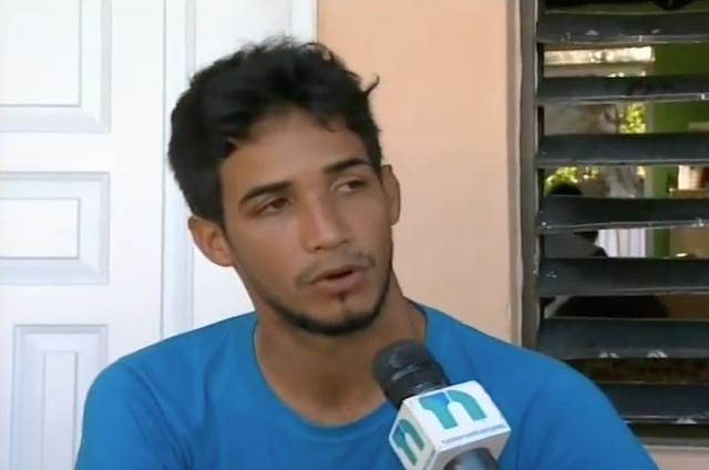 Mijael Núñez, el joven dominicano que había sido secuestrado en la localidad Ford Libert en Haití, dice estar vivo de milagro tras escapar de sus captores.