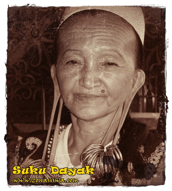 Kebudayaan Suku Bangsa Dayak | www.zonasiswa.com