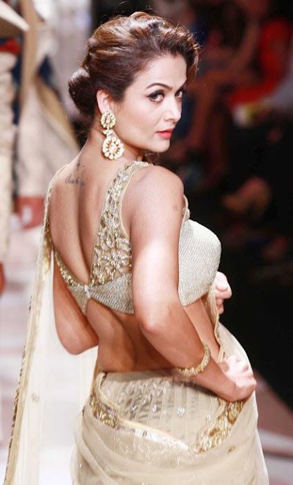 mallika & amrita arora in lakme fashion week hot photoshoot