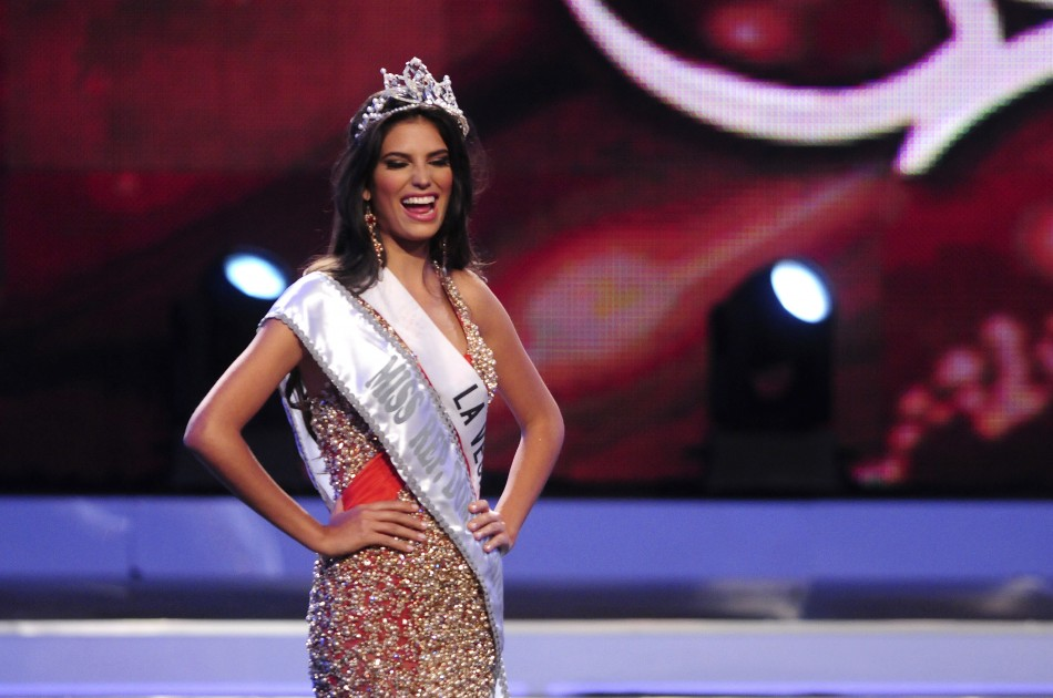 Duran, 25, reacts after winning the Miss Universe Dominican Republic ...
