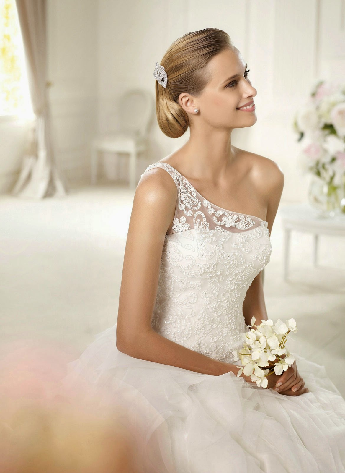 Simple white ivory wedding dresses photos concepts ideas for Simple white dresses for wedding