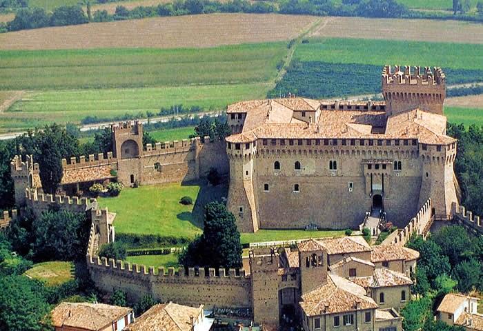 замки италии градара
