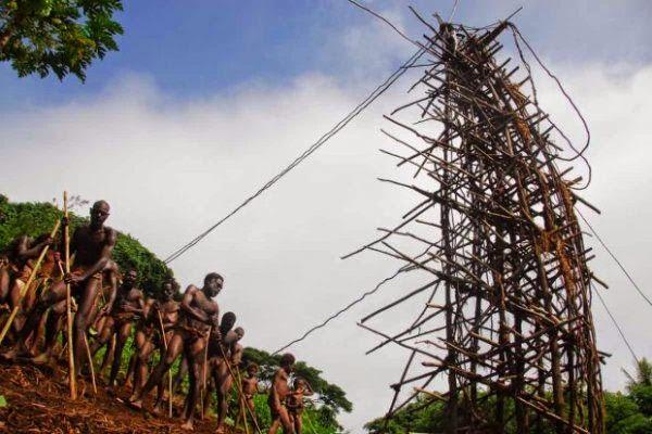 Naghol - Festival vanuatuanskih jumping rope