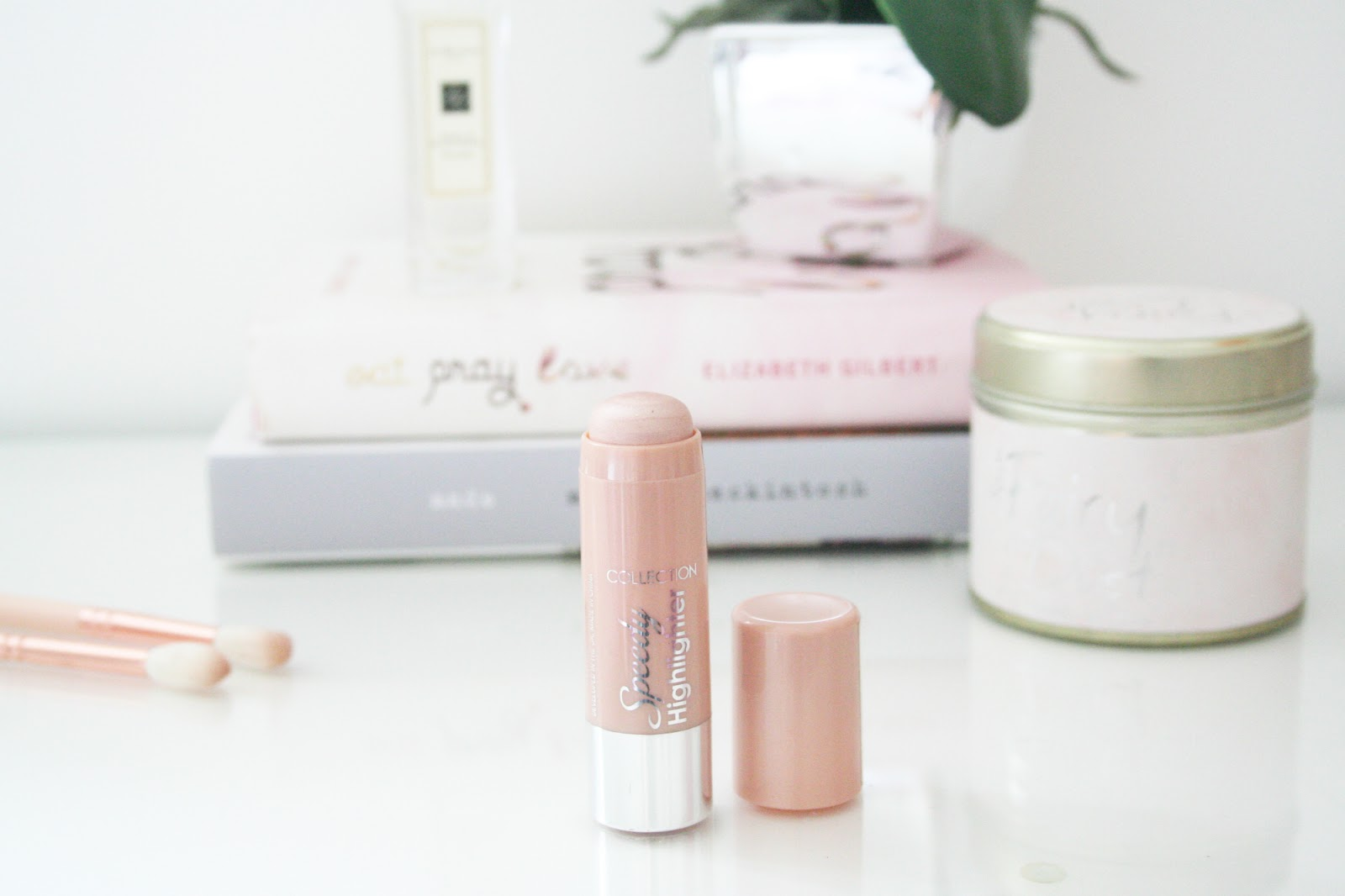 Review || Collection Speedy Highlighter in Pearly Sheen
