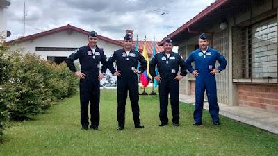 Una avanzada de la Escuadrilla Halcones de Chile visitó el Aeropuerto José María Cordova y el CACOM 5 como parte de sus preparativos para las demostraciones aéreas que realizarán en el marco de F-AIR Colombia 2015.