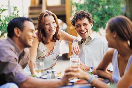 Las Dietas y la Vida Social, Como no Engordar sin Dejar de Ver a tus Amigos