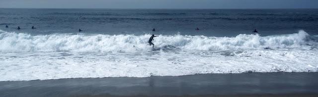 Surfing in the Cantabrian Sea - Haciendo surf en el mar Cantábrico