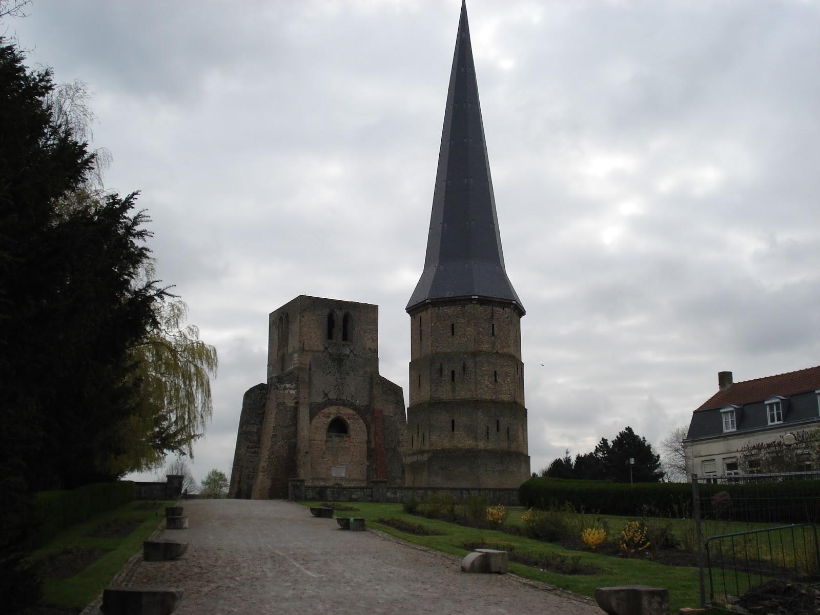 ruïne Sint-Winoksabdij in Bergues