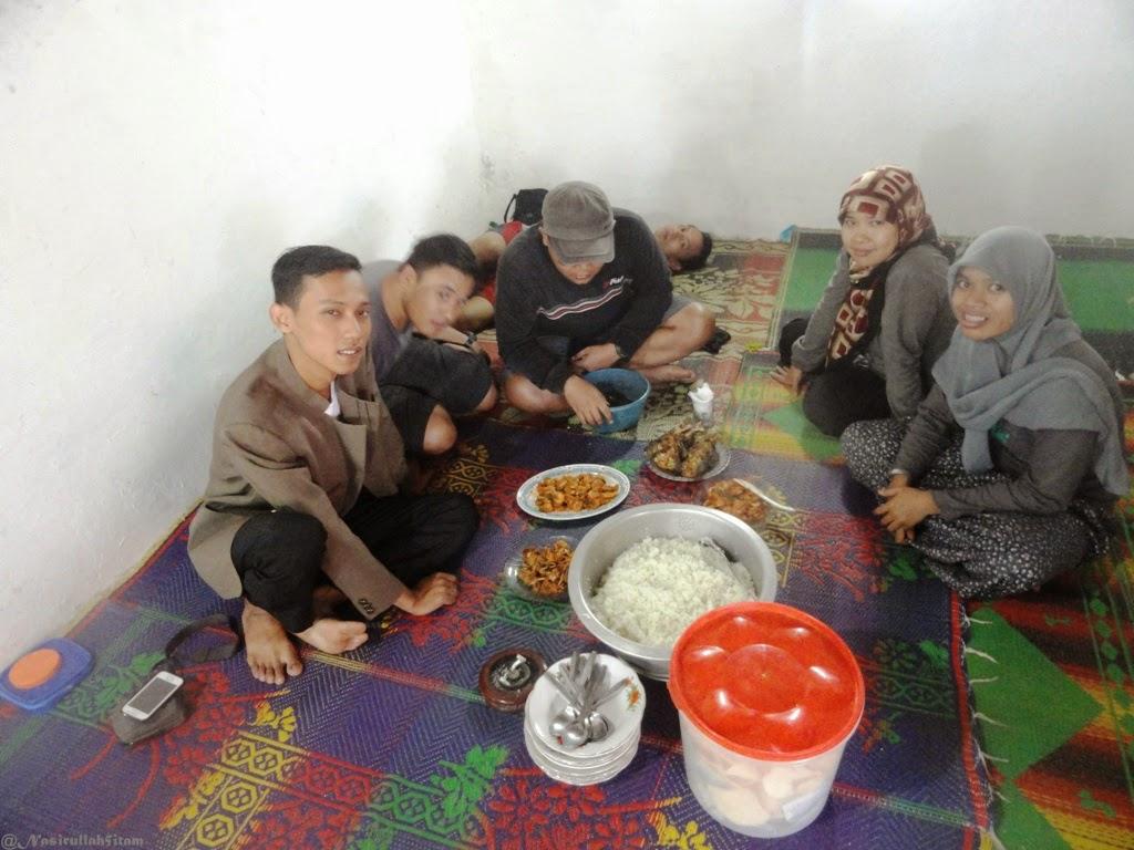 Teman-teman dan menu makan udang & kepiting siap saji